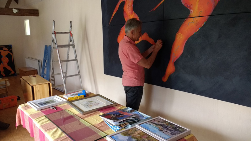 installing large paintings