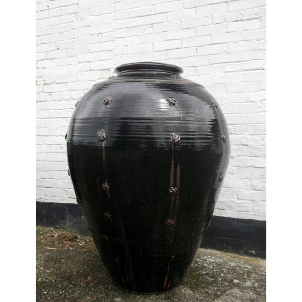 large black pot